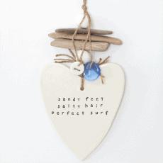 caroline_c_sandy_feet_heart_decor